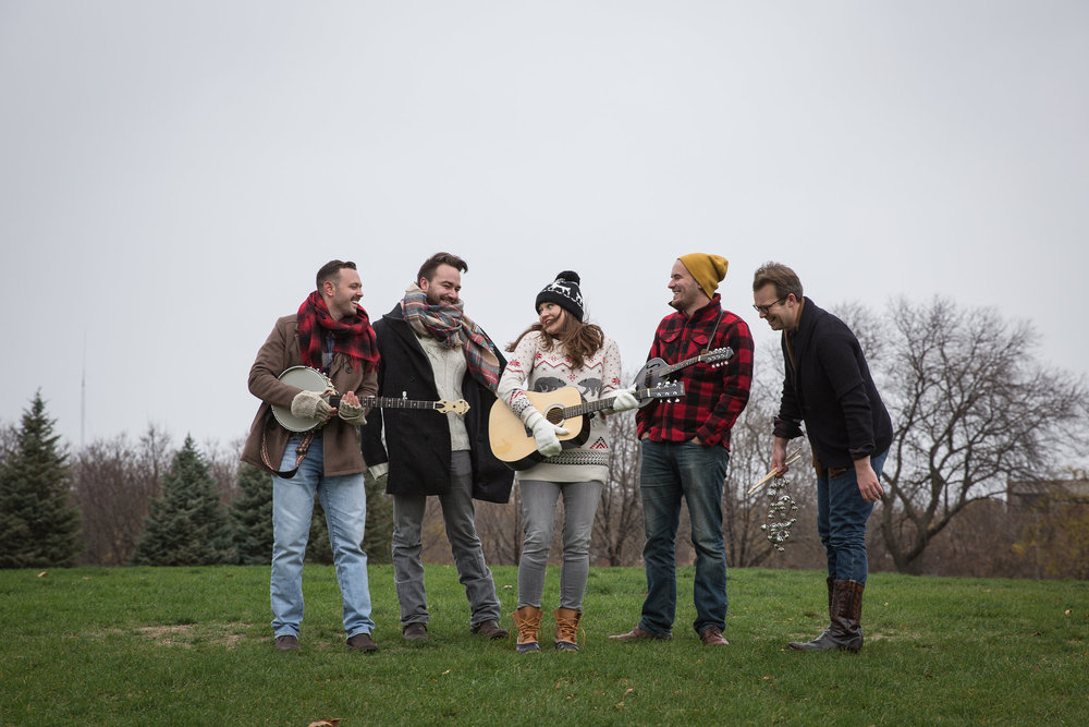 She's Folks Holiday Hootenanny At Steppenwolf - The Folks are hitchin' up the sleigh to bring you their signature Story, Song and Sass - with a seasonal twist. Join Betsy and the Boys as they celebrate the holidays with charming tales, Yuletide classics such as