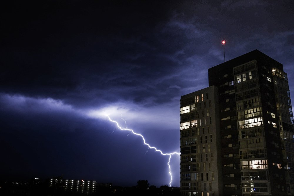 thunder-1645378_1920.jpg