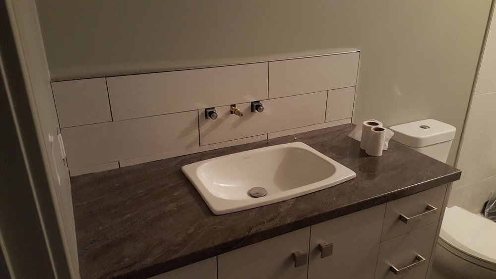 Backsplash with Wall mounted faucet.jpg
