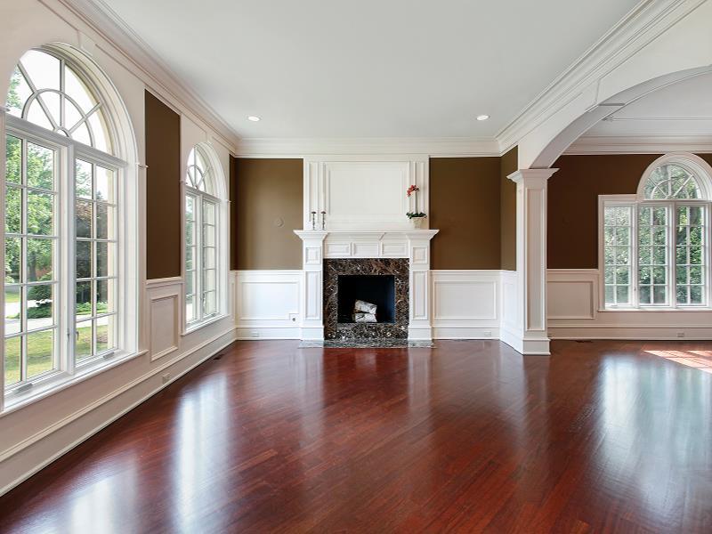 25-Stunning-Living-Rooms-With-Hardwood-Floors-1.jpg
