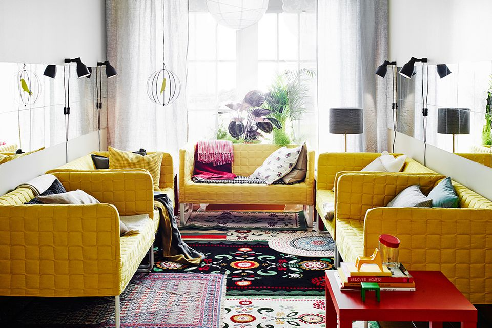 layered-rugs-warm-floor-via-smallspaces.about.com-56a889505f9b58b7d0f32550.jpg