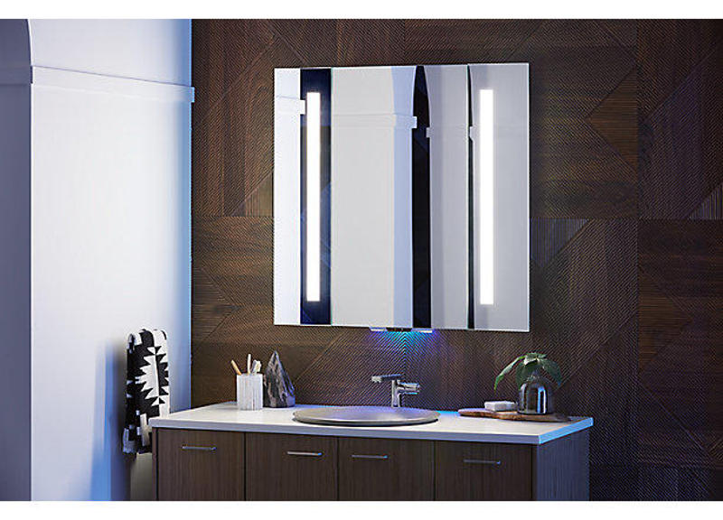 verdera_voice_lighted_mirror_with_amazon_alexa.jpg