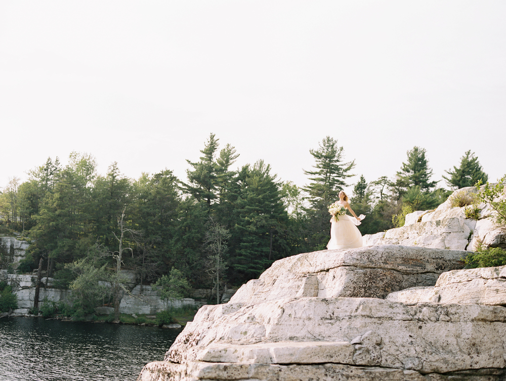 WEDDING SPARROW: LAKESIDE BRIDAL SESSION WITH BRUMLEY & WELLS