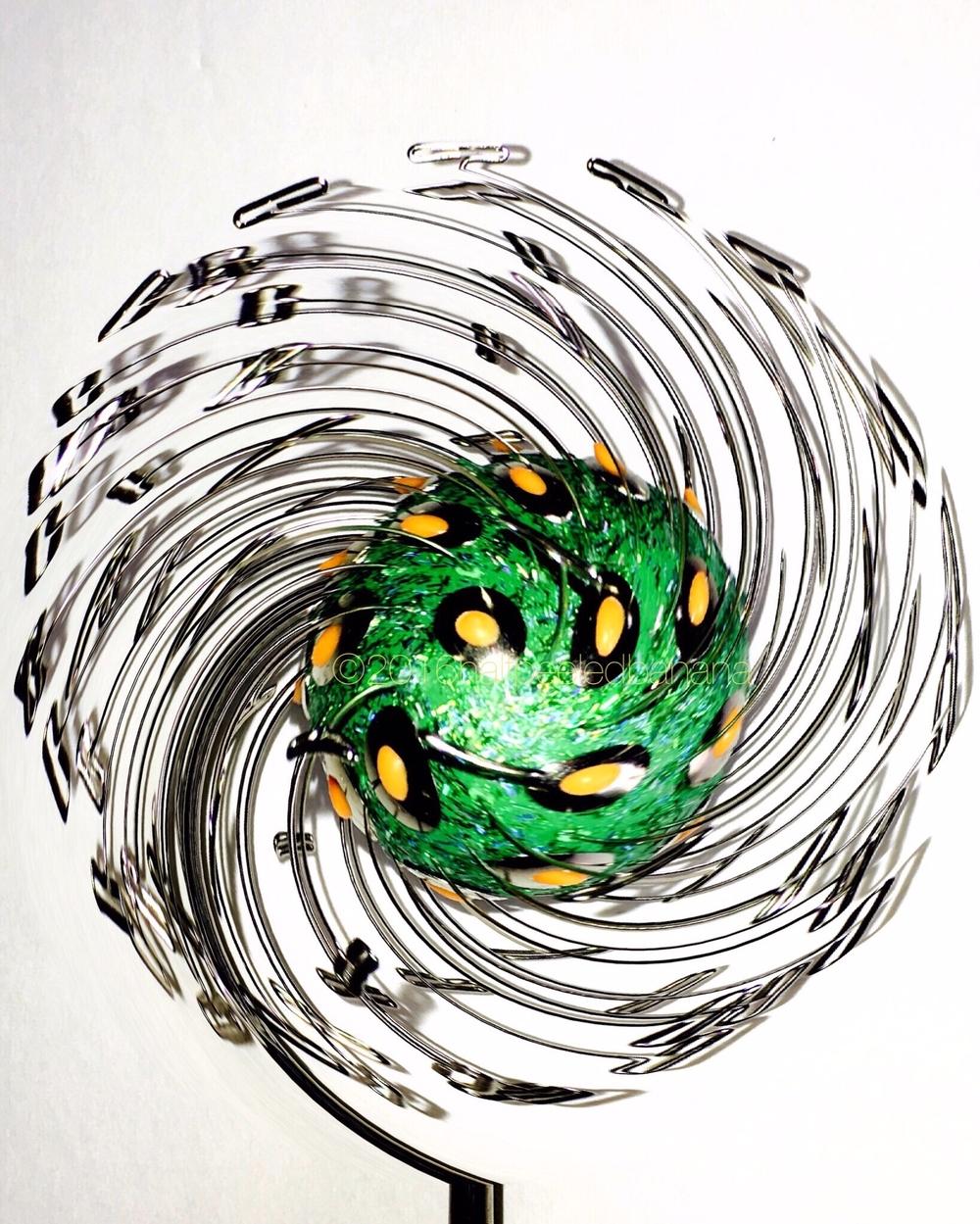 swinging greenie dandi