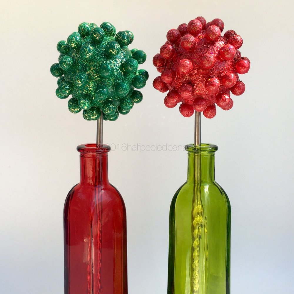 "modern christmas nubs - tabletop 3"" green and red flowers nubs style"