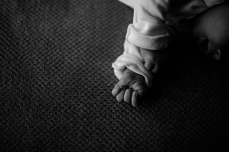 ludington-michigan-maternity-photographer-west-michigan-sand-dunes-maternity-jennifer_0083.jpg