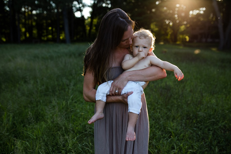 ludington-michigan-motherhood-photographer-west-michigan-river-session-ellen_0137.jpg