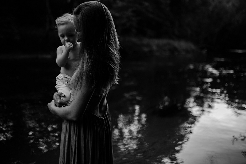 ludington-michigan-motherhood-photographer-west-michigan-river-session-ellen_0141.jpg