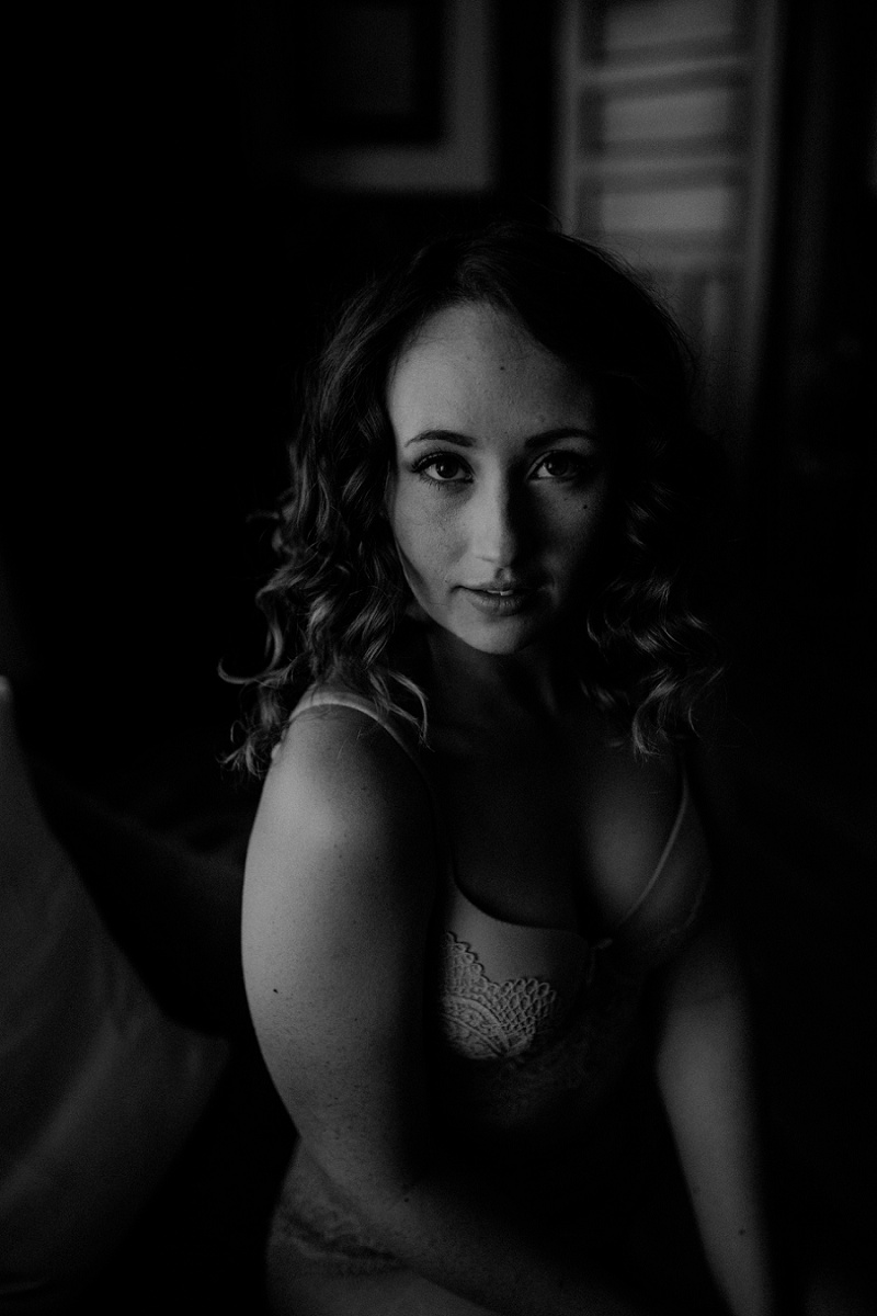 west-michigan-boudoir-photographer-ludington-michigan-womens-portraiture-short-session-with-kayla-9364.jpg