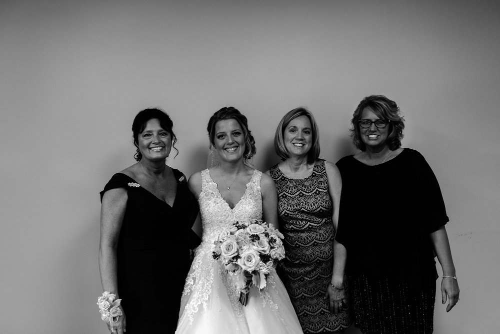 taylor_emily_michigan_wedding_jessica_max_0016.jpg