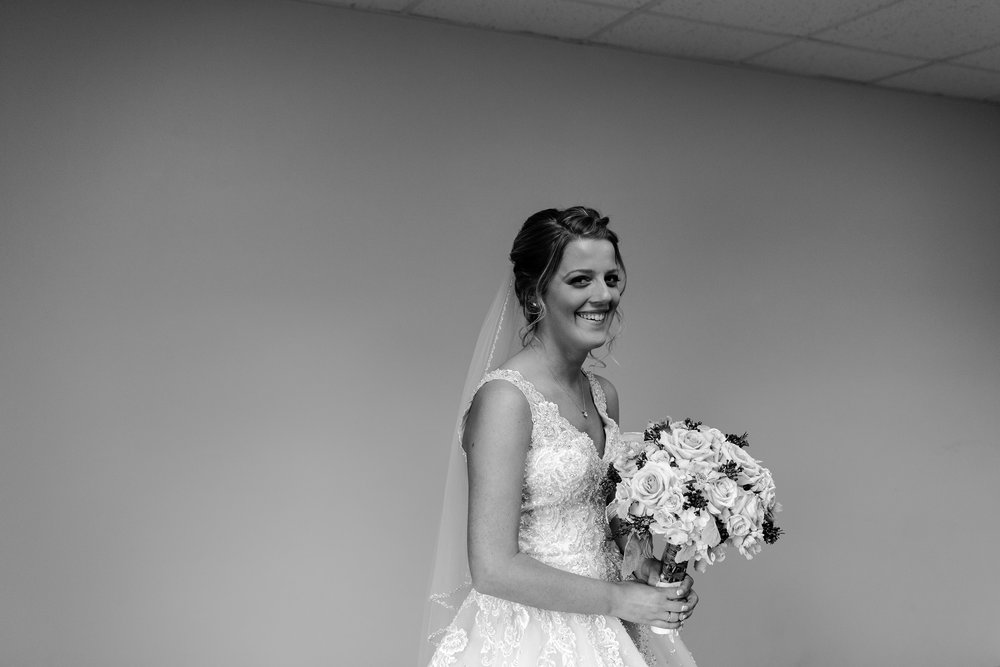 taylor_emily_michigan_wedding_jessica_max_0051.jpg