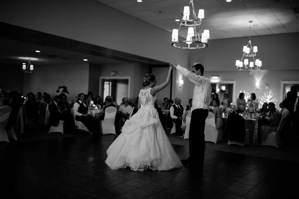 taylor_emily_michigan_wedding_jessica_max_0012.jpg