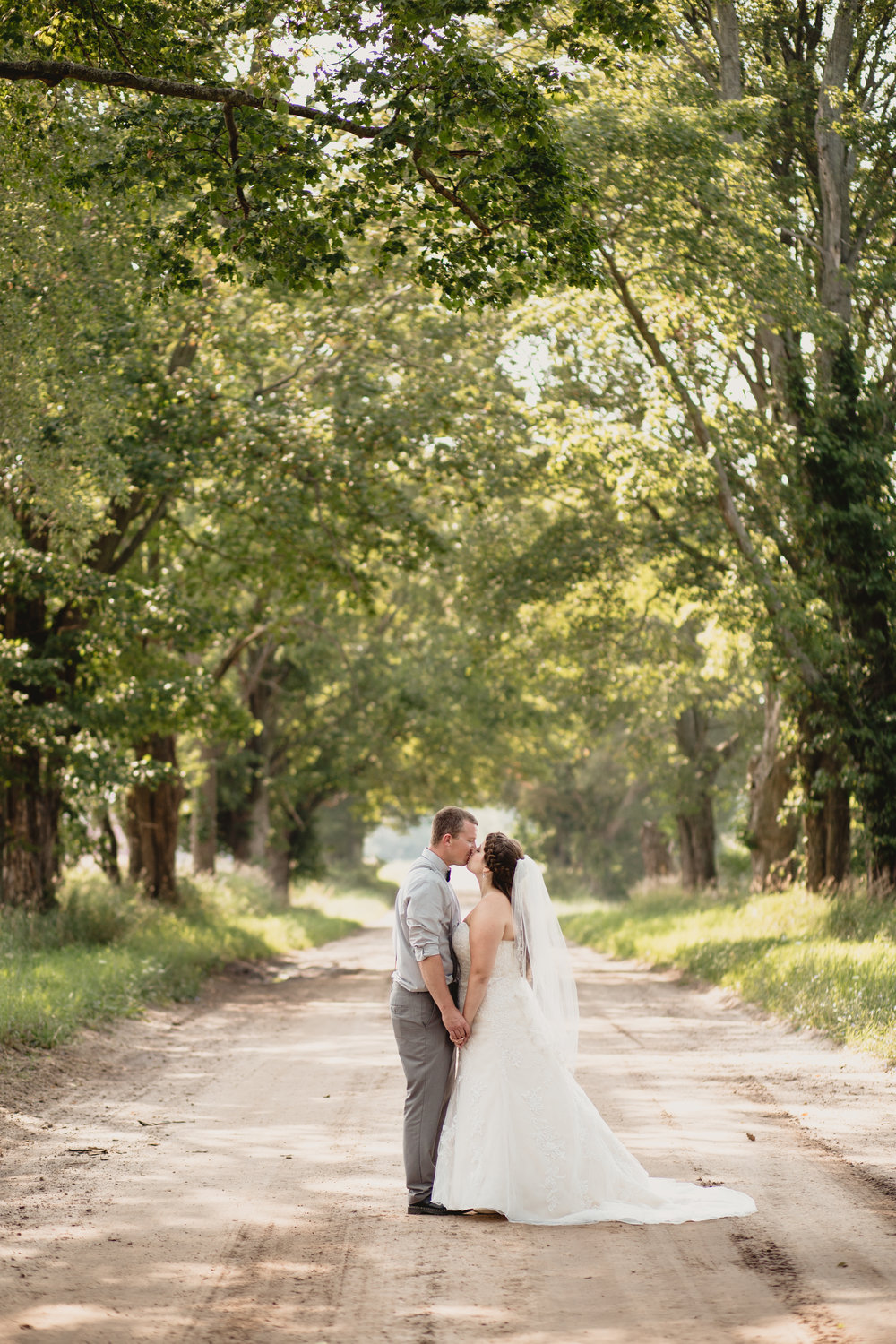west-michigan-wedding-photographer-ludington-mi-trillium-creek-jaclyn-russ-165.jpg