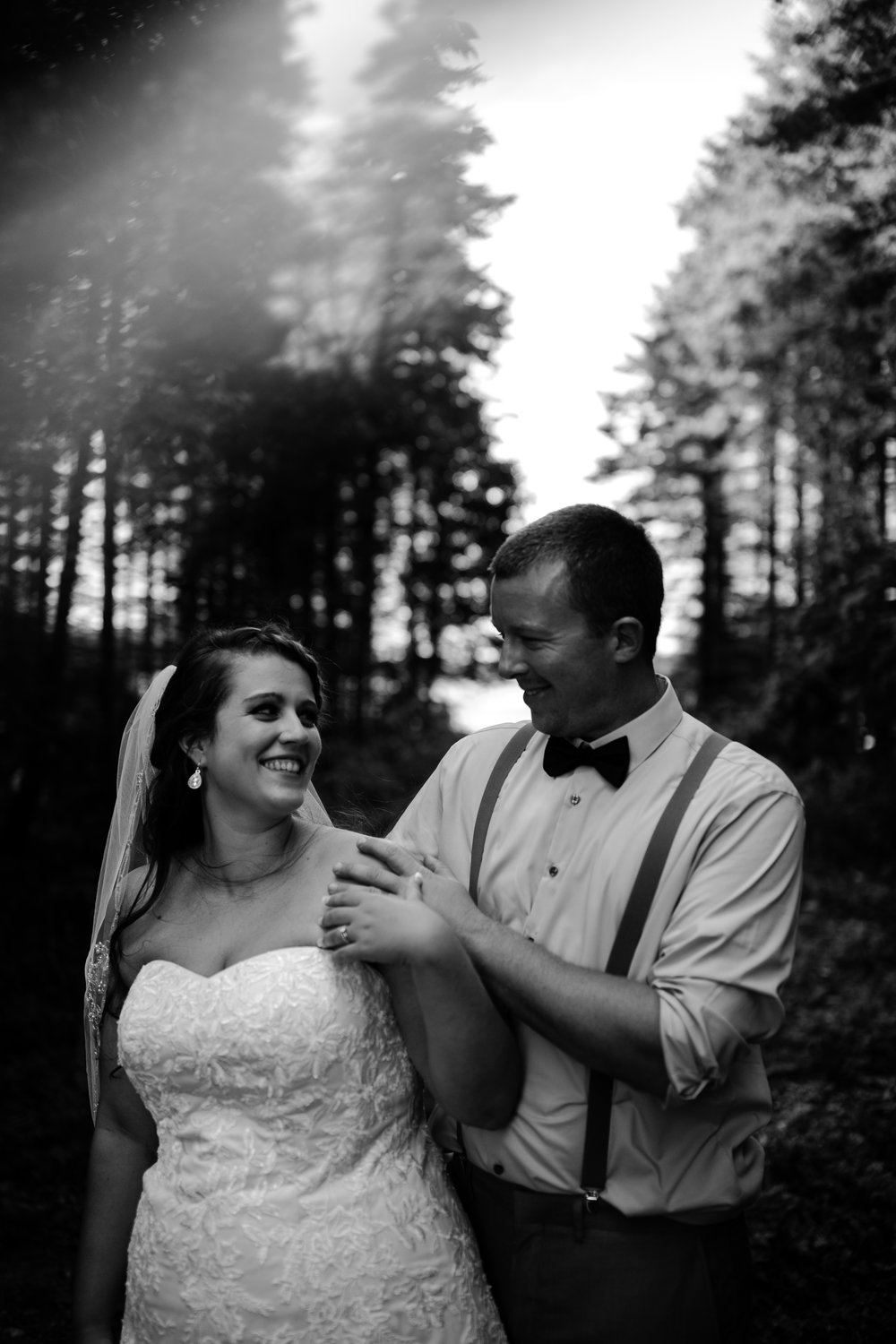 west-michigan-wedding-photographer-ludington-mi-trillium-creek-jaclyn-russ-812.jpg