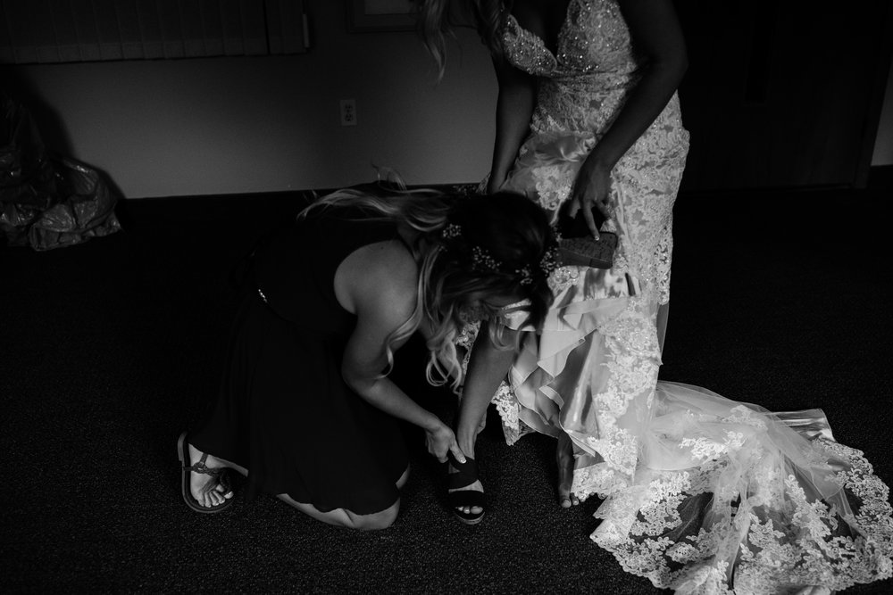 west-michigan-wedding-photographer-whitehall-rachel-austin-chapel-in-the-pines-272.jpg