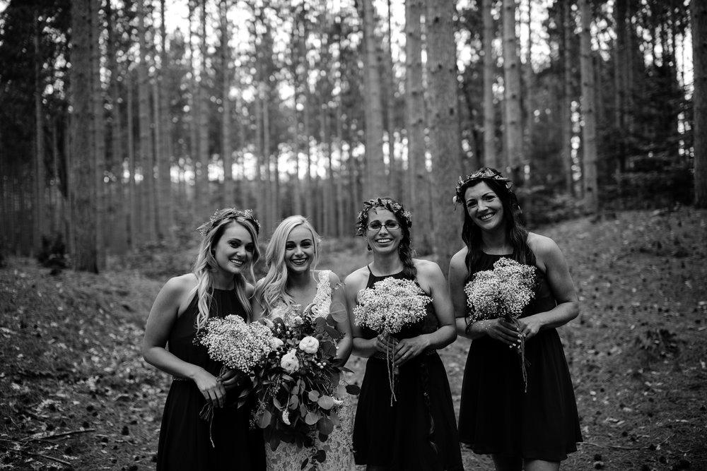 west-michigan-wedding-photographer-whitehall-rachel-austin-chapel-in-the-pines-460.jpg