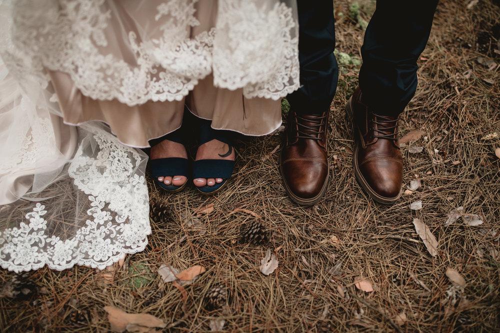 west-michigan-wedding-photographer-whitehall-rachel-austin-chapel-in-the-pines-559.jpg