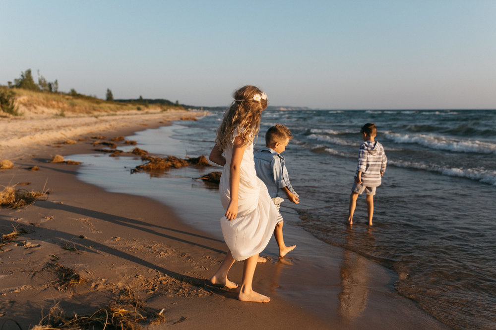 michigan-storytelling-photographer-ludington-mi-state-park-andrews-family-sunset-session-127.jpg