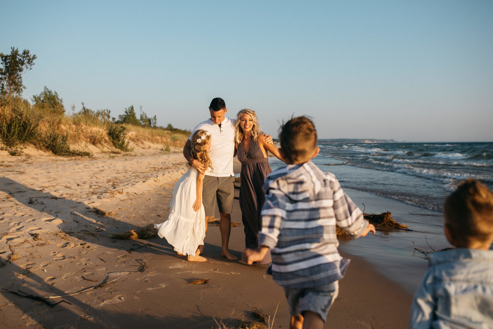 michigan-storytelling-photographer-ludington-mi-state-park-andrews-family-sunset-session-131.jpg