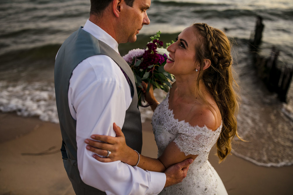 ludington-michigan-intimate-backyard-wedding-jessica-nolan504.jpg