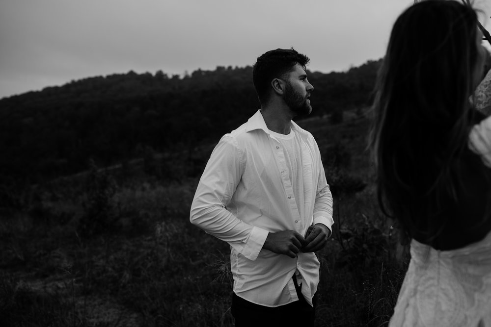 michigan-emotive-photographer-moonlight-elopement-mariha-hunter-106.jpg