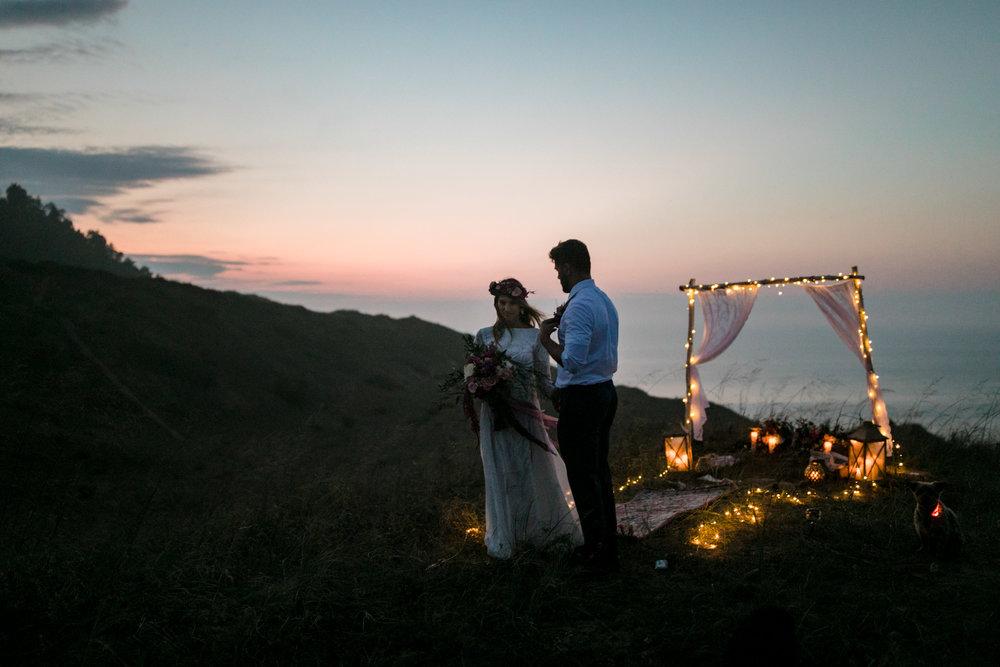 michigan-emotive-photographer-moonlight-elopement-mariha-hunter-249.jpg