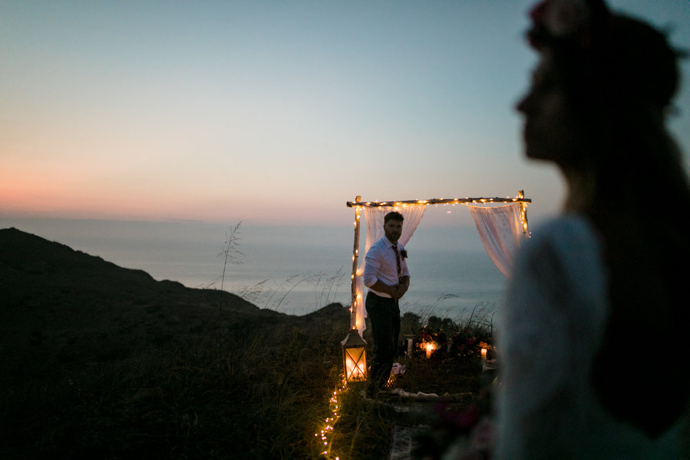 michigan-emotive-photographer-moonlight-elopement-mariha-hunter-253.jpg