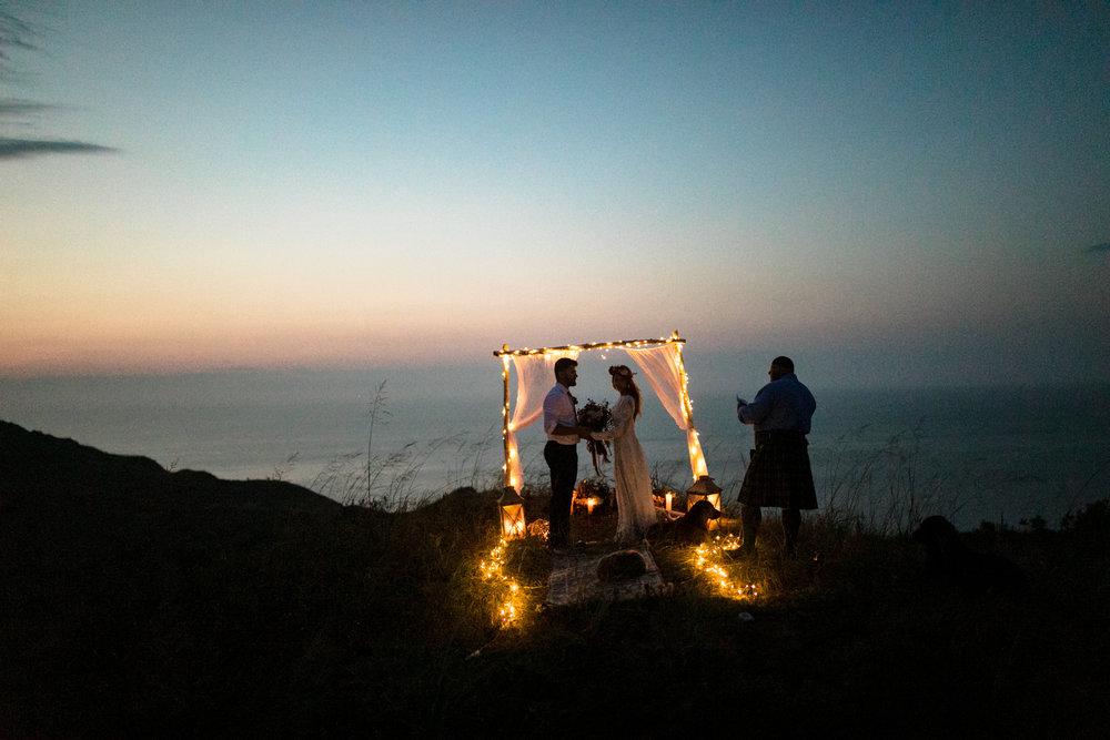 michigan-emotive-photographer-moonlight-elopement-mariha-hunter-282.jpg