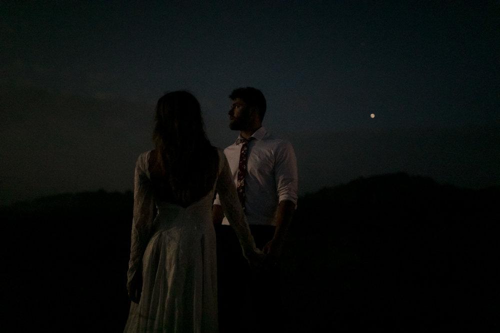 michigan-emotive-photographer-moonlight-elopement-mariha-hunter-319.jpg