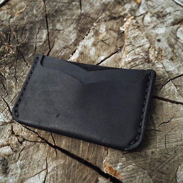 $25 shipped. I am selling this  prototype wallet I made in black dublin leather. It has 3 pockets that are best suited for cards but the middle pocket would fit folded cash just fine. I love black dublin leather because of the character and natural grain pattern is shows, I'm considering using it on my next run of black wallets. DM me if you want this wallet! . . . #leathercraft #leathergoods #leather #madeinutah #handmade #menswear #menstyle #mensfashion #fashion #style #handstitched #bespoke  #vintage #vintagestyle #wallet #cardholder #wallet #everydaycarry #roseanvil