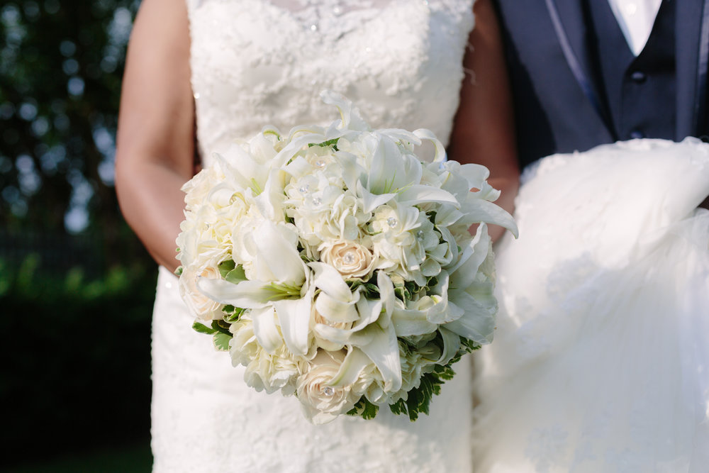 bridal floral arrangement bouquet photographer.jpg