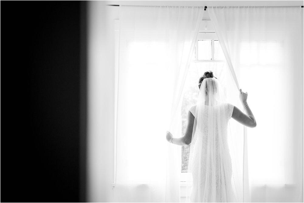 Black and White Utah Bride