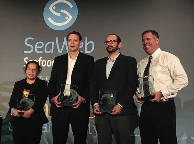 We're thrilled to announce our win of the #SeafoodChampion #Innovation Award!! A big congratulations to the other winners - Patima Tungpuchayakul of the LPN Foundation, Guy Dean of @albionffbc and @openbluecobia!! @seafoodsummit #SWSS18
