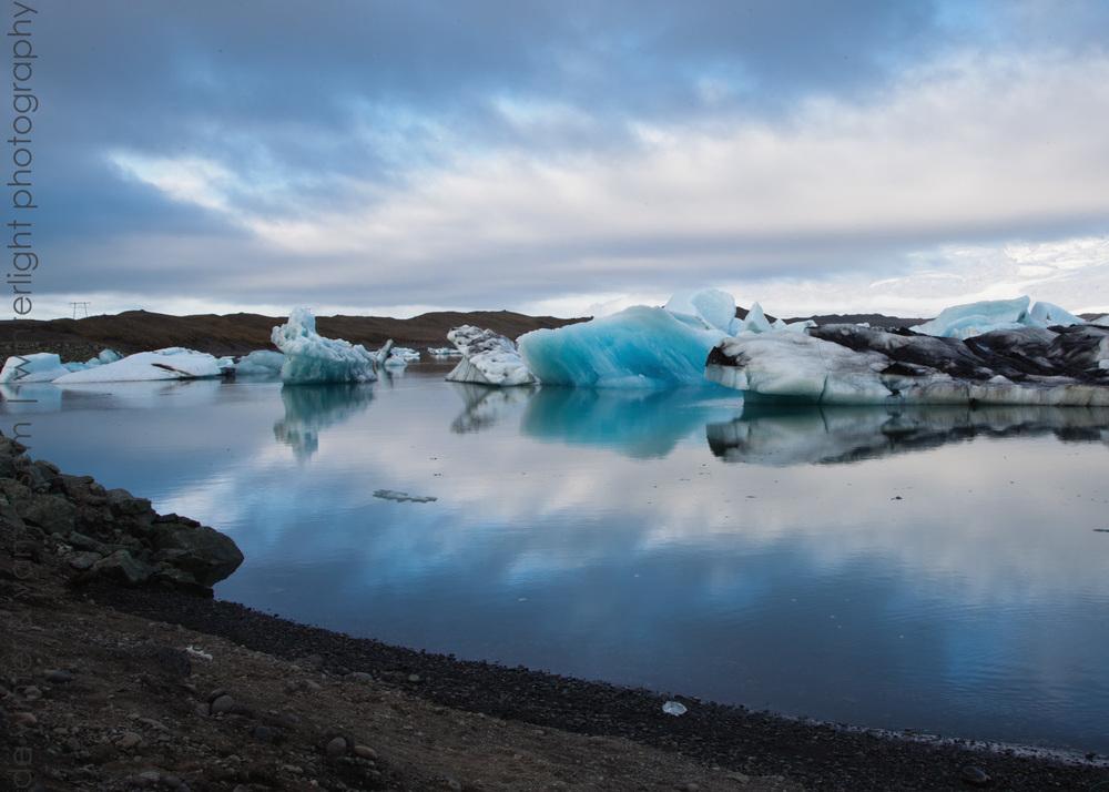 All is dead quiet on Jokulsarlon glacier lake.