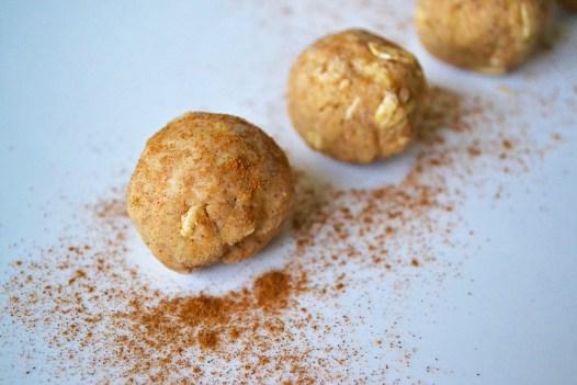 cinnamonballs3.jpg
