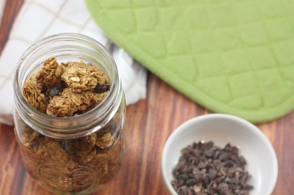 granola-in-mason-jar-from-above-1024x682.jpg
