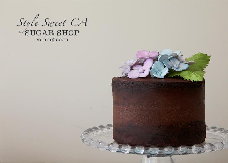 Chocoalte-Hydrangea-Cake-Horizontal