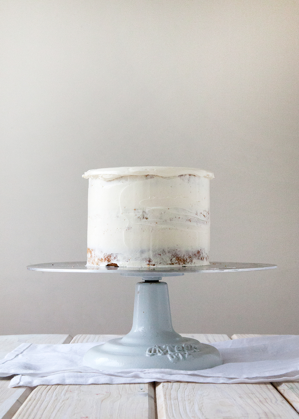 How To Ice A Cake The Perfect Ombre Style Sweet Ca