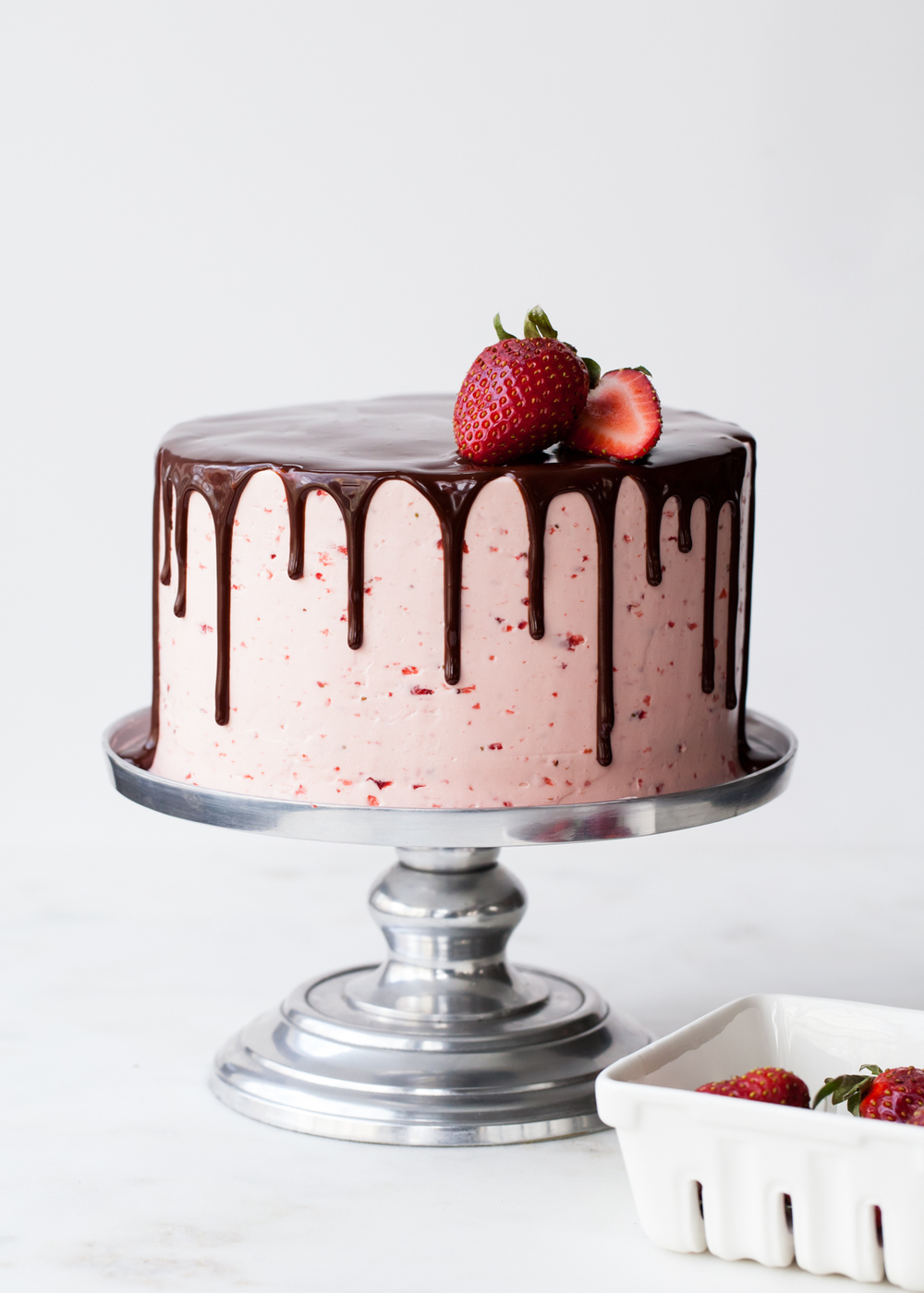 Chocolate Dipped Strawberry Cake my best tips for drippy cakes