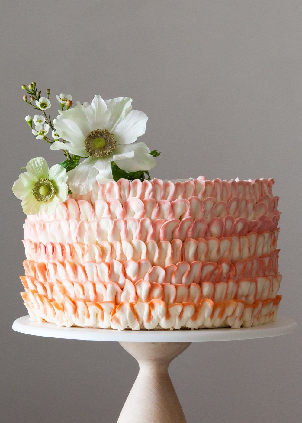 How To Make A Two Toned Ruffle Cake