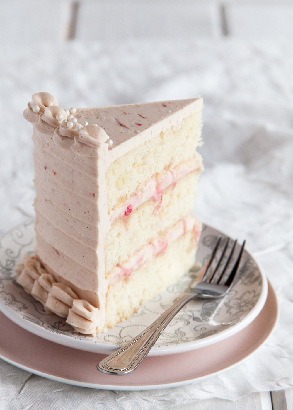 Rhubarb ginger layer cake style sweet ca for Decoration layer cake