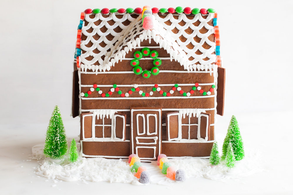 Gingerbread Log Cabin for FoodNetwrok.ca