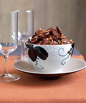 Rosemary Pecans  - via Real Simple