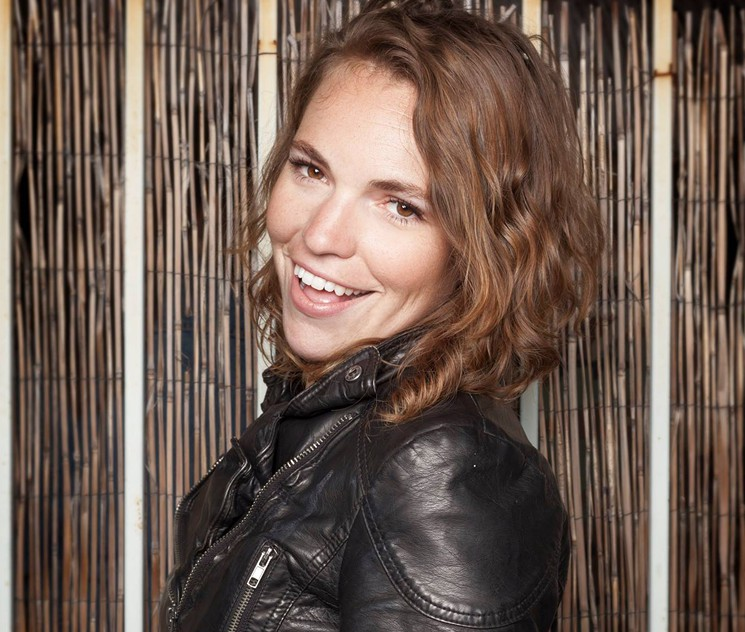 Beth Stelling of  Jimmy Kimmel Live  fame will perform a stand-up set on Saturday night.
