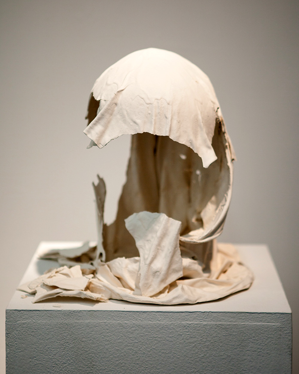 Memory of the head cover,  2012, Ceramic, Collection: Absence of head