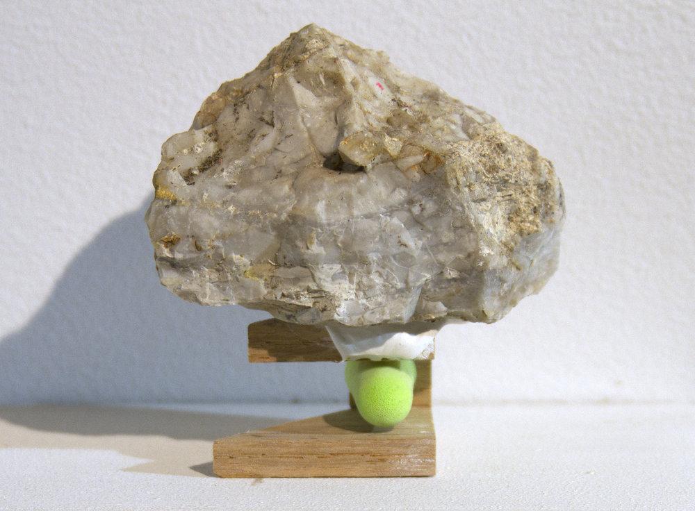 rock-grn-earplug.jpg