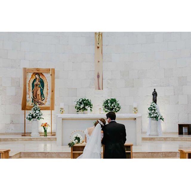 Jimena | Alberto www.andreamancilla.com.mx __ #fotografiaandreamancilla #bodas2018 #bodasmexico #leon #guadalajara #méxico #aguascalientes #haciendas #wedding #weddingstyle #weddingday #greenweddingshoes #weddingphotojournalism #lookslikefilm