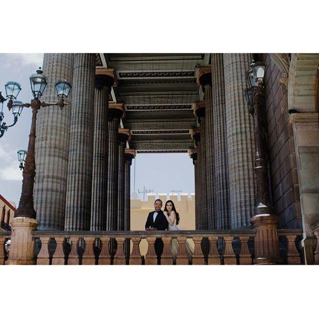 Adriana | Héctor www.andreamancilla.com.mx __ #fotografiaandreamancilla #bodas2018 #bodasmexico #leon #guadalajara #méxico #aguascalientes #guanajuato #wedding #weddingstyle #weddingday #greenweddingshoes #weddingphotojournalism #lookslikefilm #theknot