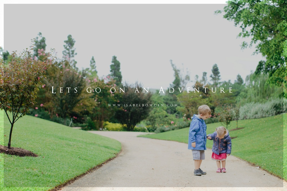 Isabel Bowden Photography is now taking bookings. Image of two children holding hands in the hunter Valley