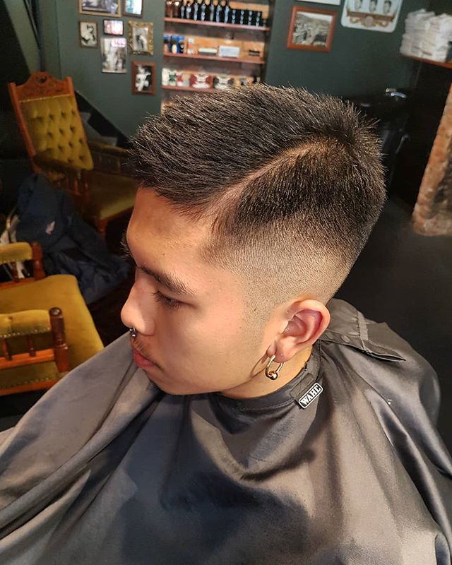 With goals of rocking a Exacutive Contour. Taking the sides down to zero to allow growth and razor part for style. Using @kingbrownpomade matte pomade for hold and texture.  #monksandco #barber #barbershop #hobarthair #oldworldidealsnewworldideas #zerofade #kingbrownpomade #askforitbyname #razorpart #neckshave #texture #asainhair